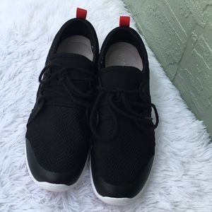 Vionic Storm Sneakers Size 10
